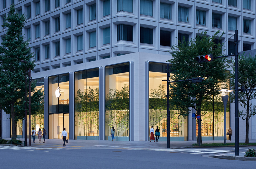 Exterior of Apple Marunouchi.