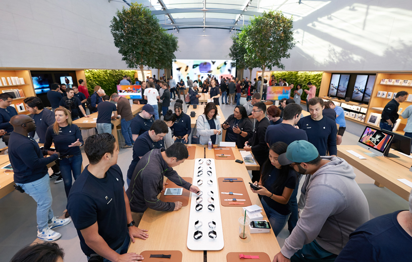 Crowds inside Apple Palo Alto.
