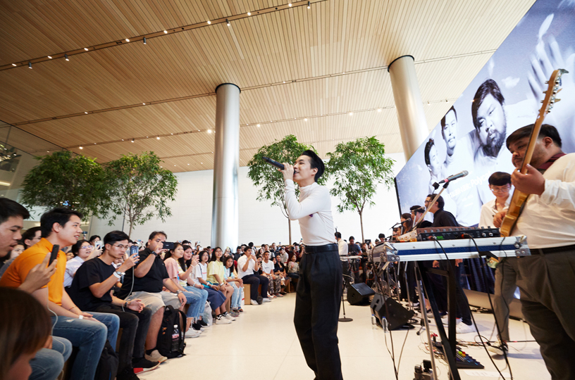 Thai band Polycat perform at Apple Iconsiam.