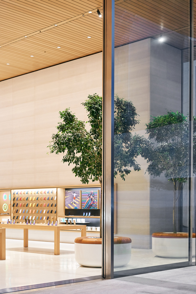 Apple Antara glass doors.