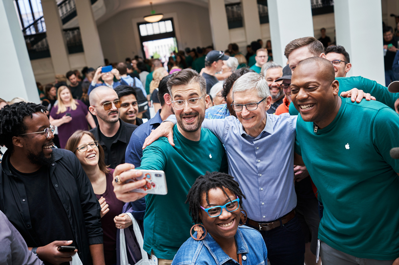 Tim Cook with team at Apple Carnegie Library.