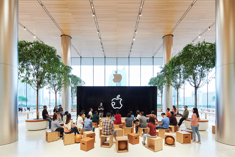 Innenansicht von Apple Iconsiam.