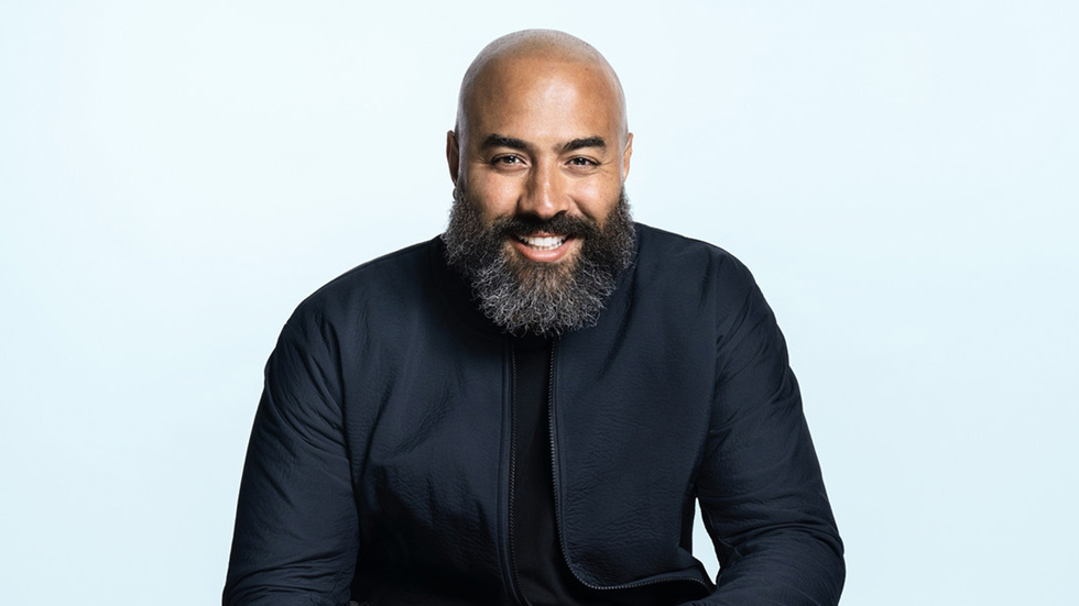 Apple Music's Ebro Darden sitting for a photograph.