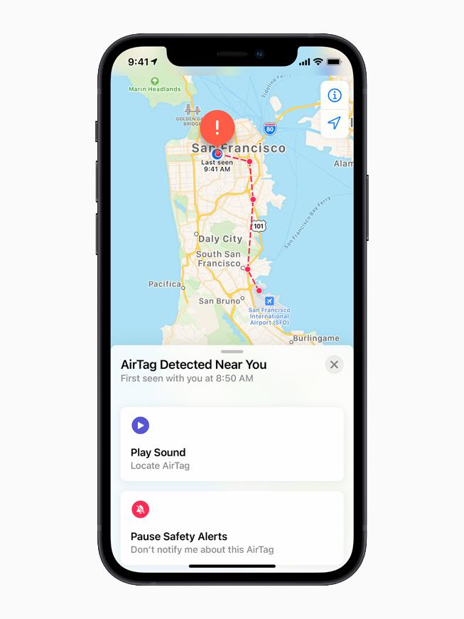 หน้าจอ iPhone 12 แสดงการตรวจพบ AirTag ที่ไม่รู้จัก