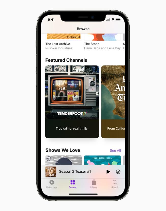 I Canali da scoprire nella tab Scopri di Apple Podcast su un iPhone 12 Pro.
