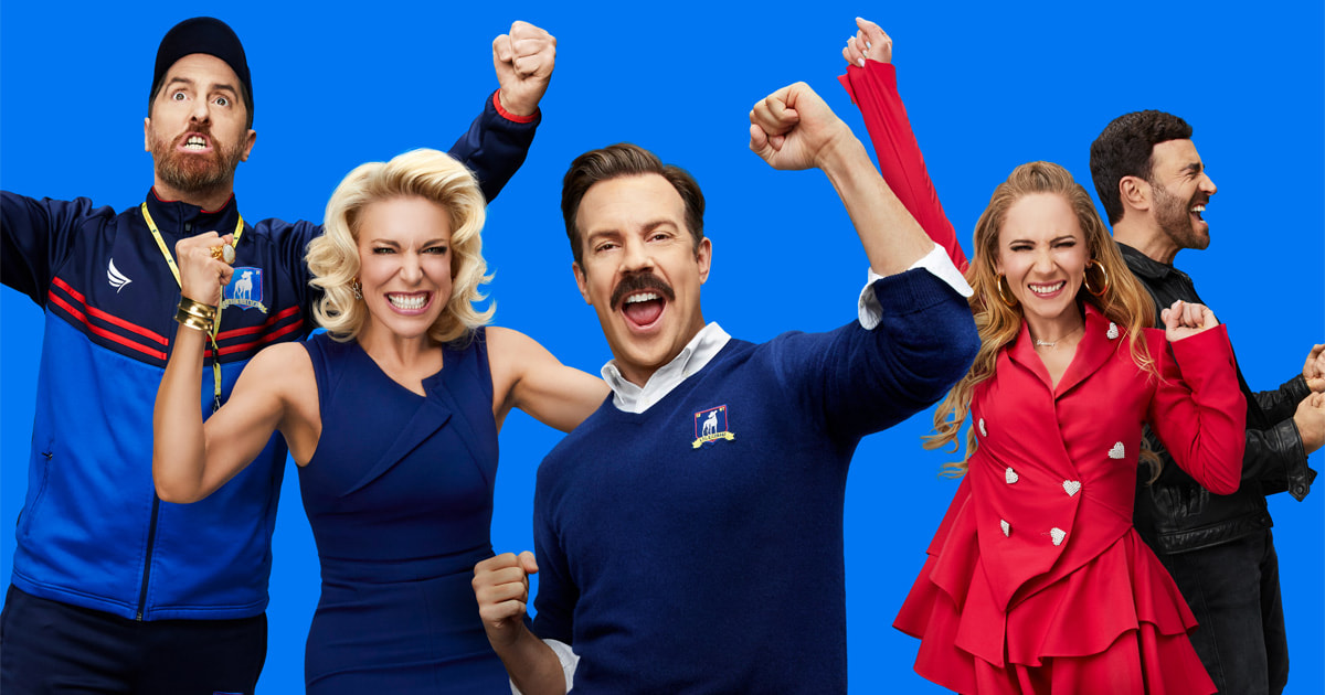 """photo of Apple's global hit comedy series """"Ted Lasso"""" sweeps the 2021 Primetime Emmy Awards, scoring history-making win for… image"""