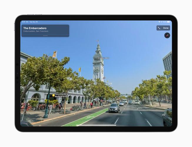 """Die neue """"Umsehen""""-Ansicht in der Karten App auf dem iPhone 11 Pro."""