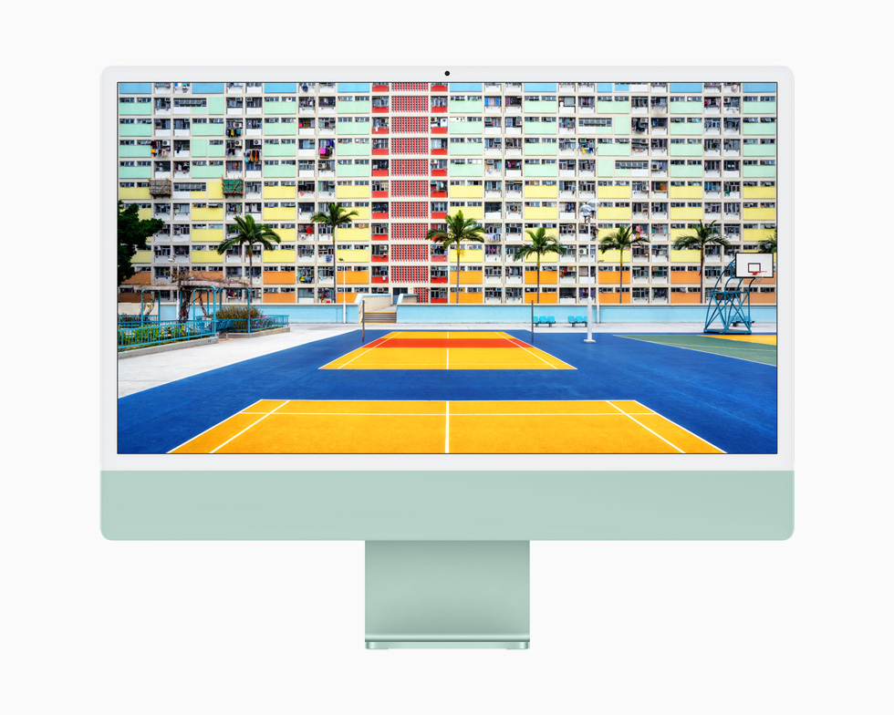 A vibrant, colourful outdoor tennis court is brilliantly displayed on the 4.5K Retina display of iMac.