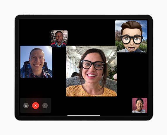iPad Pro con Group FaceTime en la pantalla.