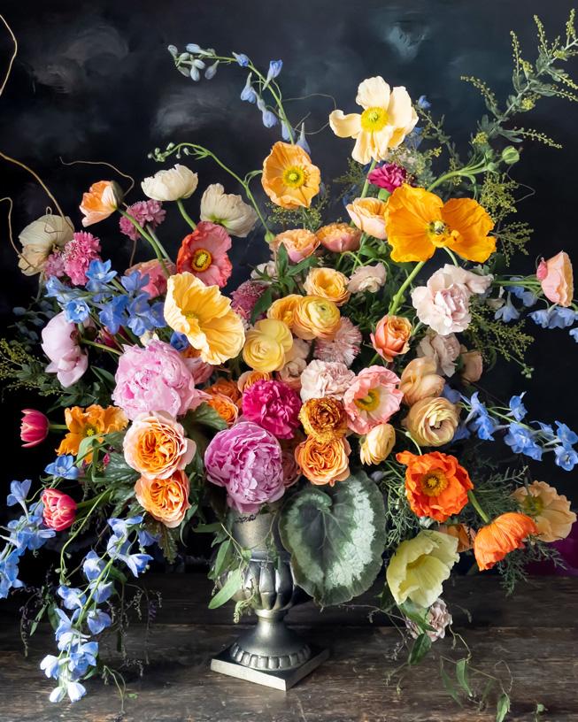 Flores en un recipiente.