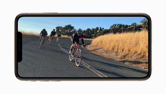 iPhone Xs showing dynamic video image.