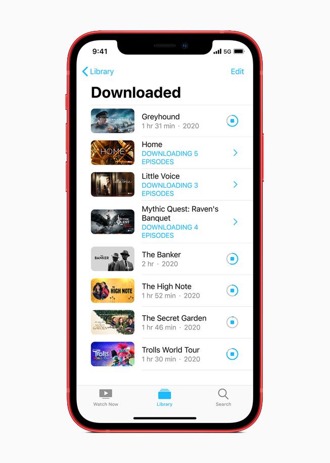 Фильмы, скачанные из Apple TV+, на iPhone 12.