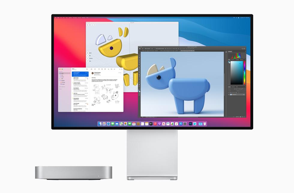 Gümüş rengi Mac mini ve Pro Display XDR.