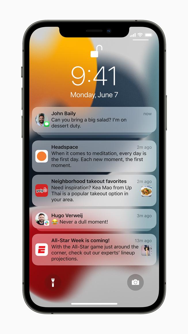 iPhone 12 Pro'da görüntülenen bildirimler.