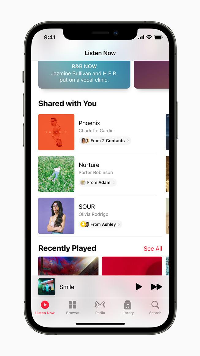 iPhone 12 Pro'da görüntülenen Apple Music'te Sizinle Paylaşılan özelliği.