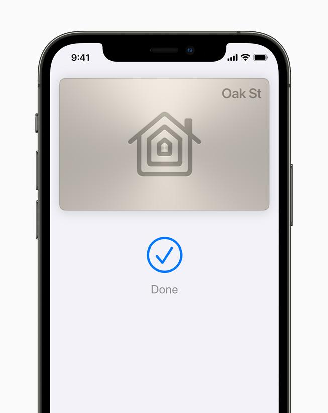 iPhone 12 Pro'da Apple Cüzdan'da görüntülenen bir dijital ev anahtarı.