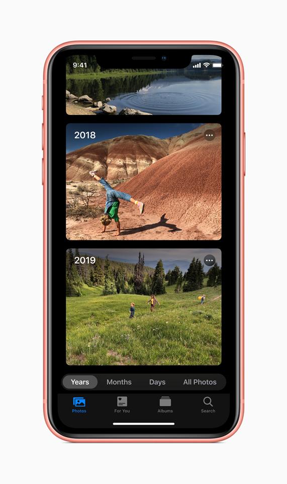 App Foto con album organizzati per anno.