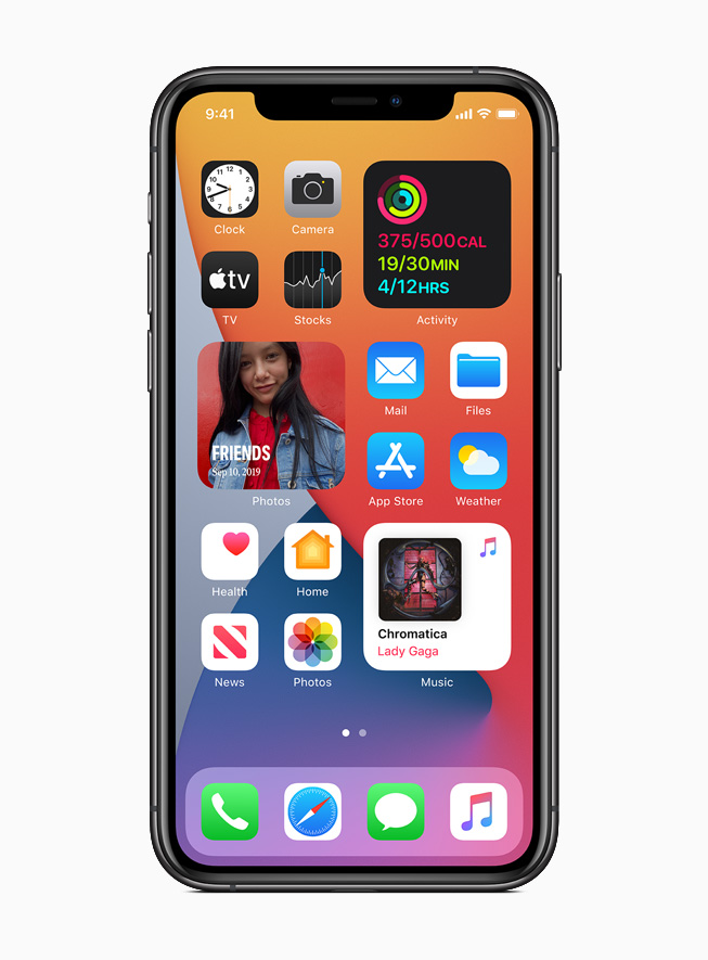 Apple_ios14-widgets-redesigned_06222020_