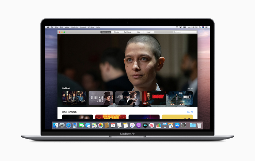 MacBook Air 上的 Apple TV app。