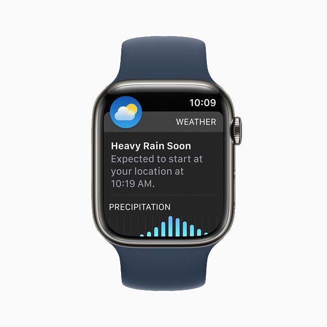 Un Apple Watch Series 7 che mostra l'app Meteo in watchOS 8.