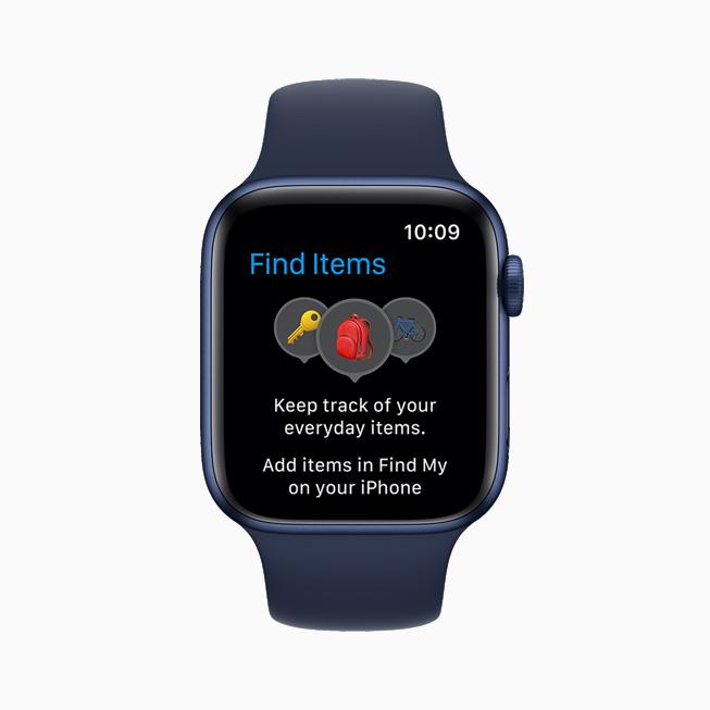새로 추가된 Find Items 앱을 보여주는 Apple Watch Series 6.
