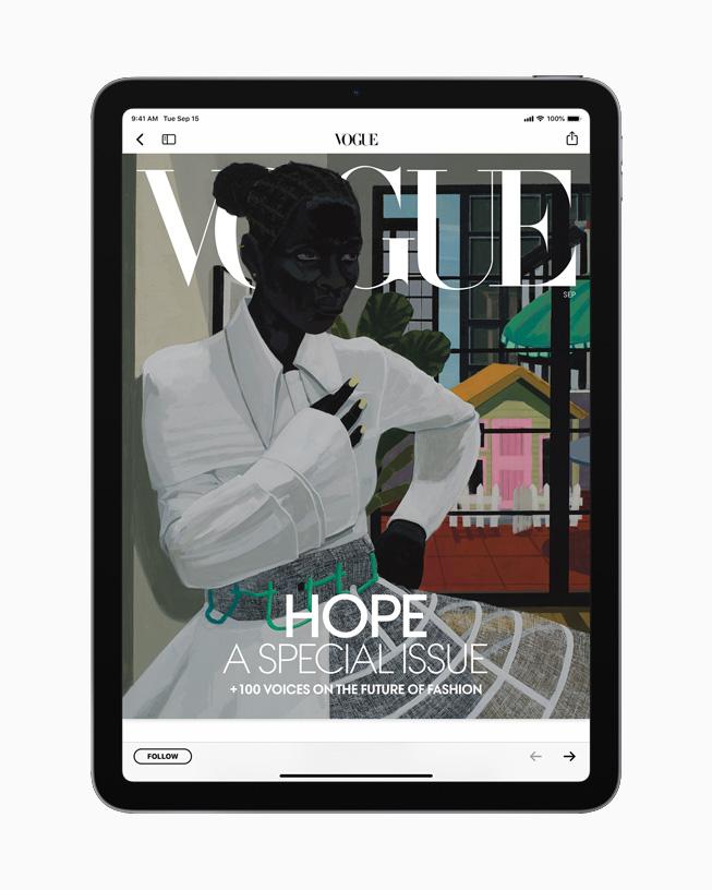 Наэкране iPad обложка журнала «Vogue».