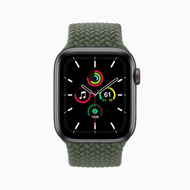 Komplikationer vist på Apple Watch SE.