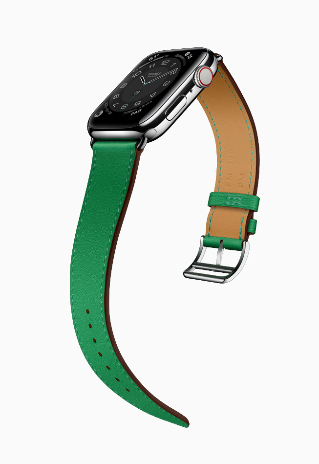 Apple Watch Hermès with green band.