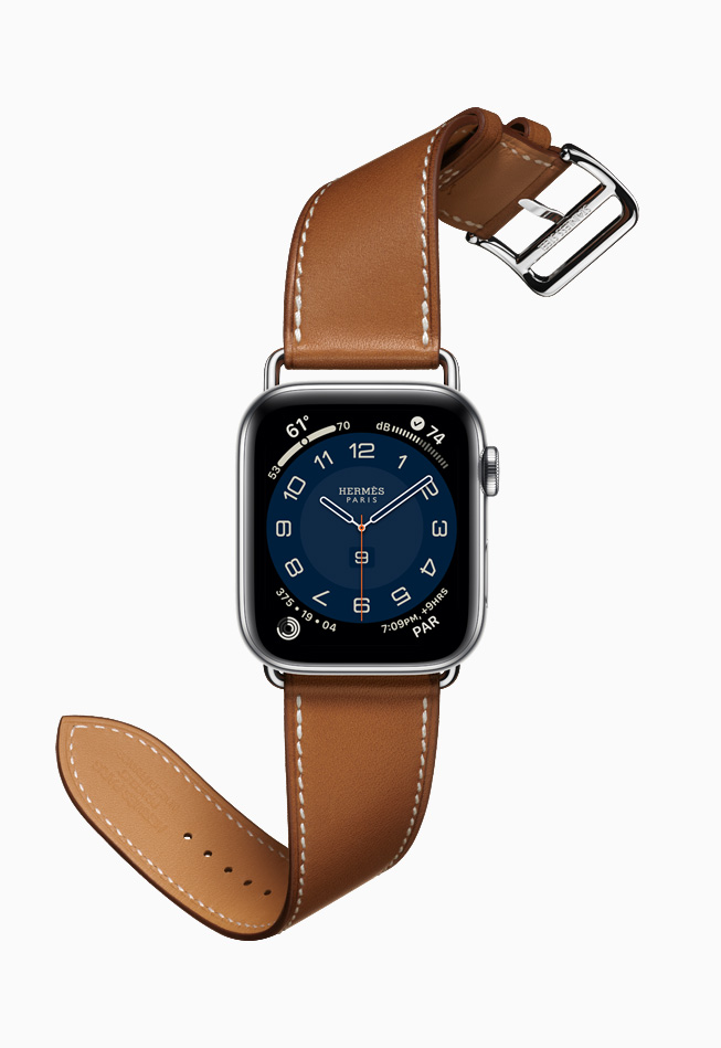 Apple Watch Hermès with the new Attelage Single Tour band.