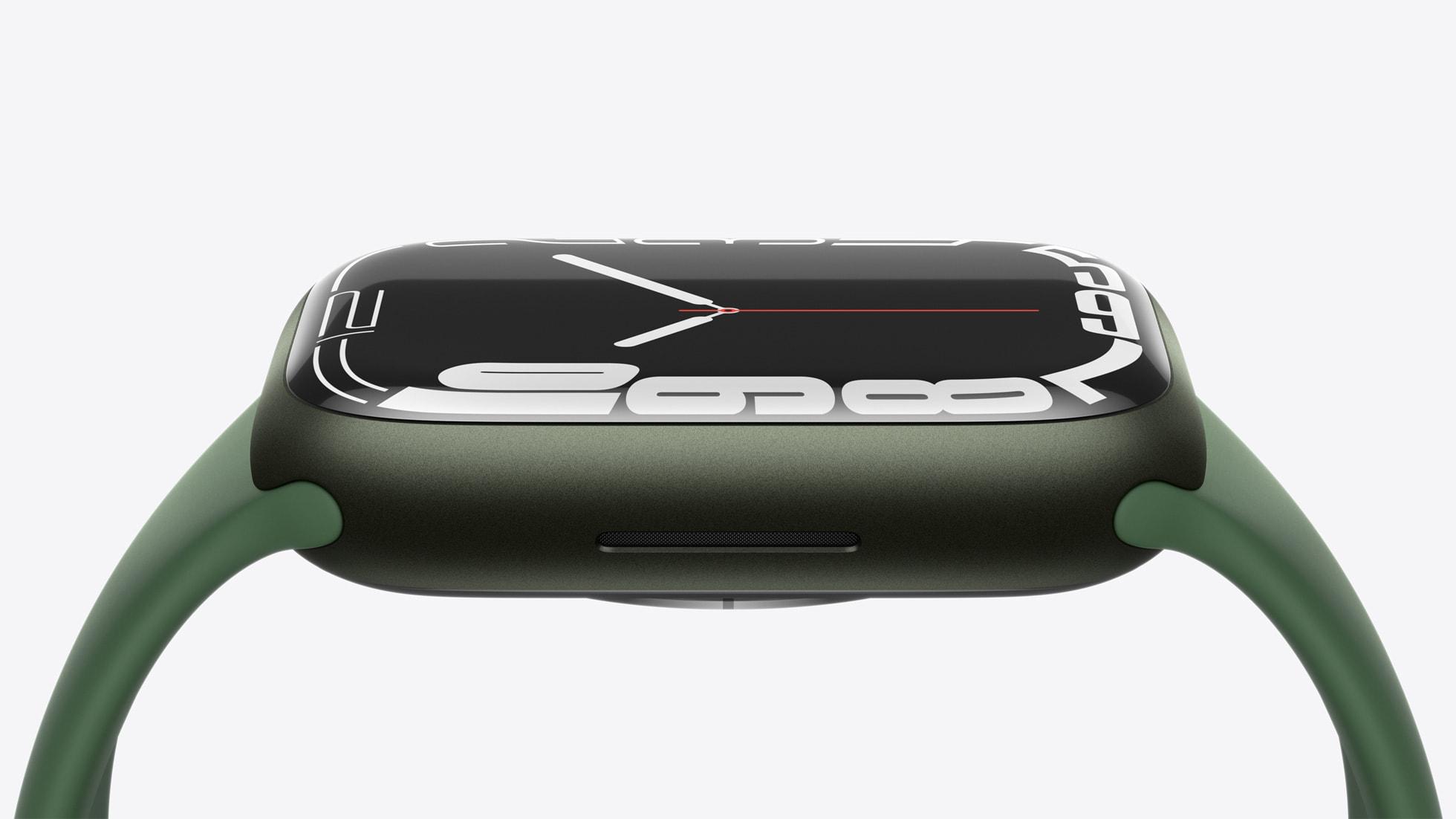 Apple Watch Series 7 punya tepian melengkung.