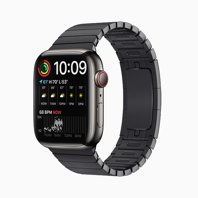 The Modular Duo face is shown on Apple Watch Series 7.