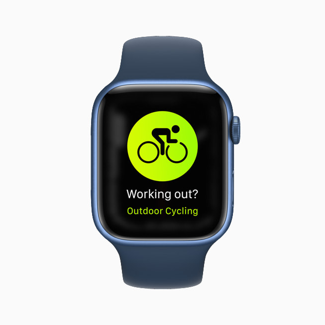 Apple Watch Series 7 shows an Outdoor Cycling screen.