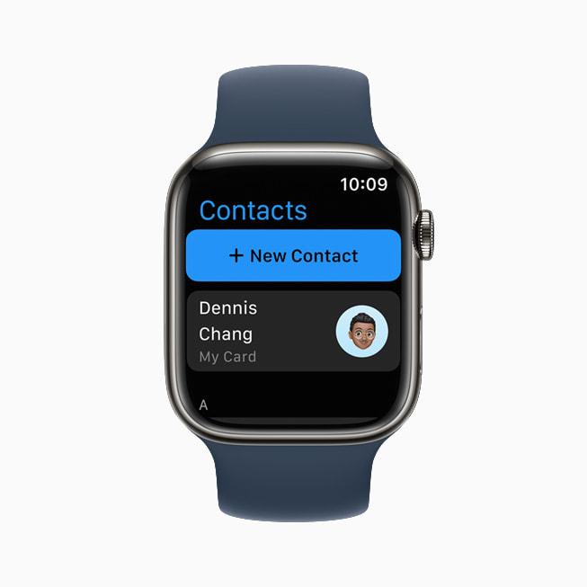 TKTKUn Apple Watch Series 7 che mostra l'app Contatti in watchOS 8.