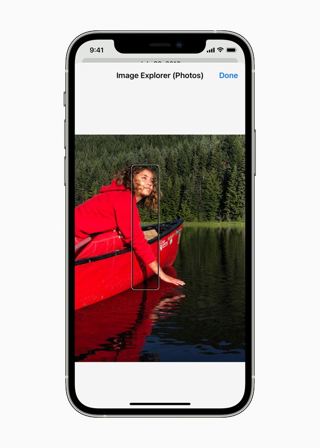 La nouvelle fonctionnalité d'exploration d'images de VoiceOver sur un iPhone12Pro.