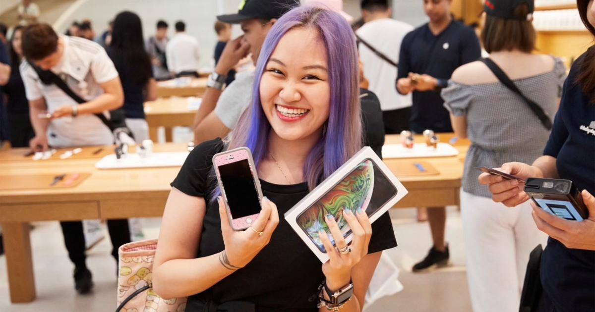 7ccabcb57 أجهزة iPhone Xs وiPhone Xs Max وApple Watch Series 4 تصل إلى المتاجر - Apple  (AE)