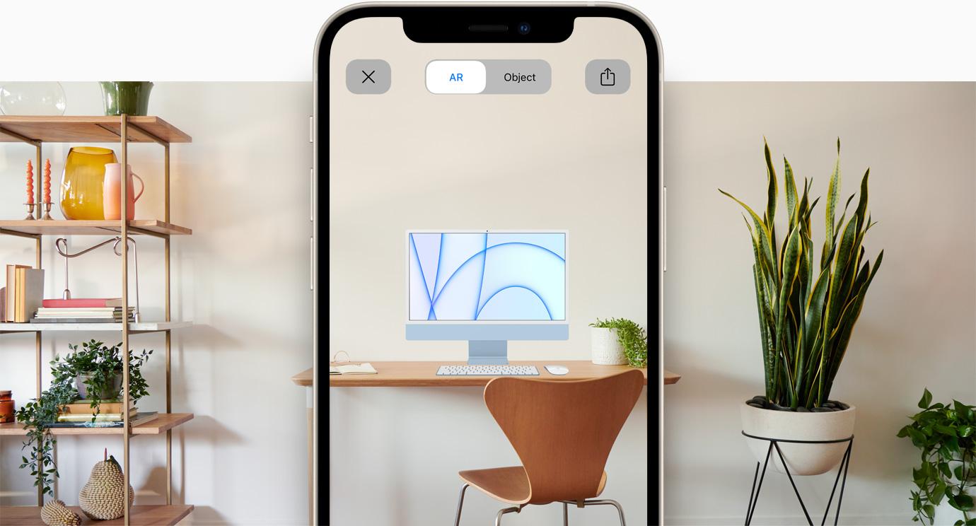 لقطة لتجربة مشاهدة iMac باستخدام الواقع المعزز على iPhone